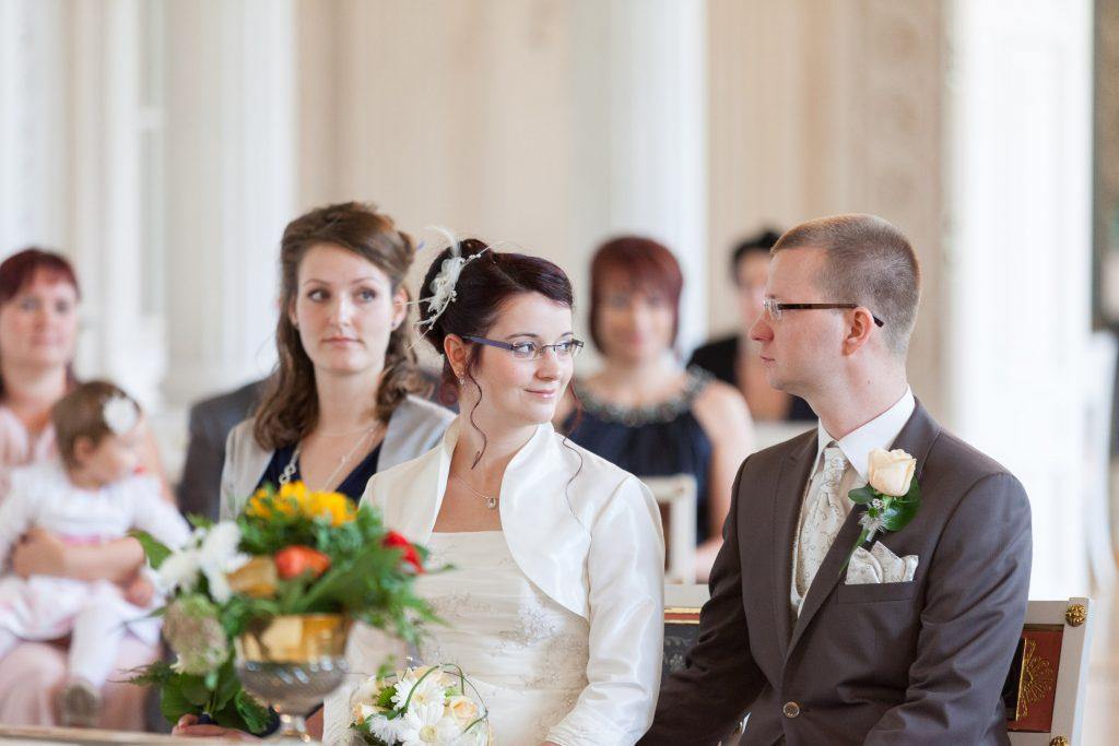 heiraten-auf-schloss-friedrichfelde-schau-mir-in-die-augen
